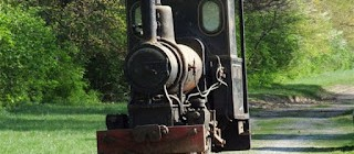 Burnhope narrow gauge locos loaded in USA...