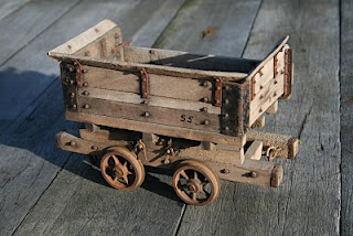 Model side tipping waggons